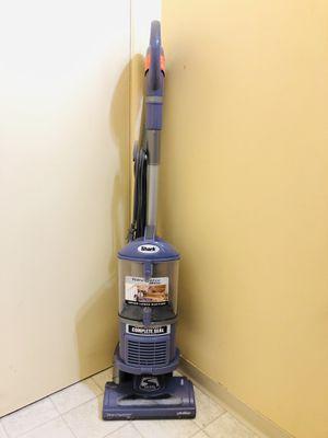 Shark Navigator Vacuum Cleaner for Sale in Tacoma, WA