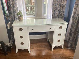 White Desk for Sale in Chicago, IL