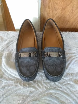 Woman shoes size 7 for Sale in Madera, CA