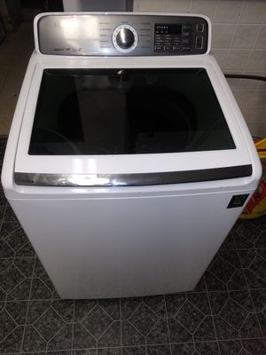 Samsung washer and dryer for Sale in Cleveland, OH