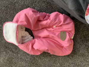 Car seat Weathershield and car seat with base for Sale in Grand Junction, MI