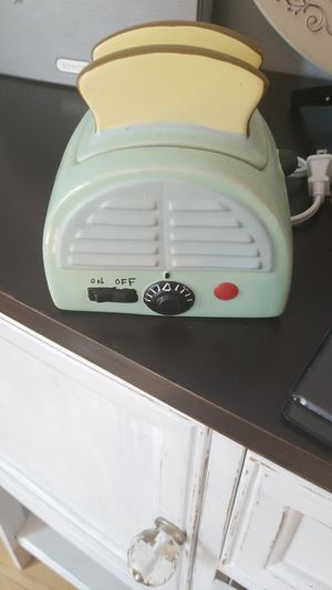 Scentsy toaster warmer for Sale in Sumner, WA