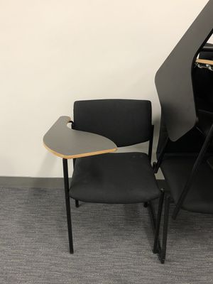 FREE 10 desk chair ready for pick up for Sale in Newark, CA