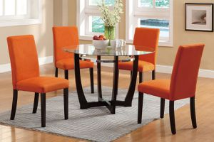 Table and 4 chairs for Sale in Hialeah, FL