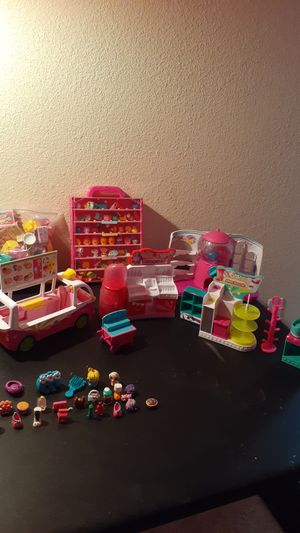 Shopkins figurines and accessories, jewelry for Sale in Tarpon Springs, FL