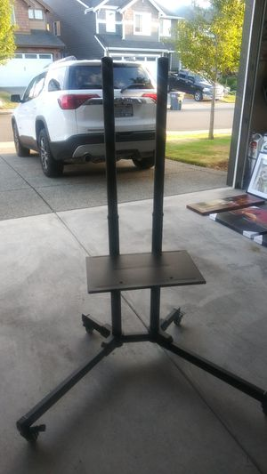 Flat tv stand for Sale in Puyallup, WA