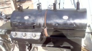 DOUBLE GAS $ CHARCOAL BBQ GRILL for Sale in Modesto, CA
