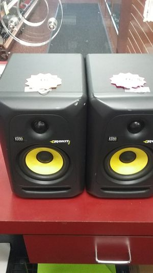 Kirk Rokit 5 a pair of monitor speakers tested without power cords 96091392277 and 76 for Sale in Sacramento, CA