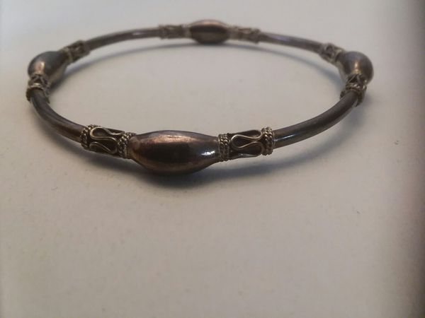 Vintage silver ladies Etruscan ring and bracelet set.