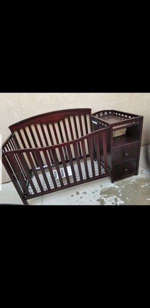 Crib with drawers for Sale in Fontana, CA