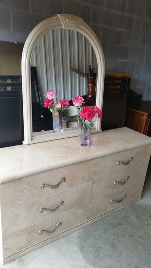 BEAUTIFUL WHITE LONG DRESSER 6 BIG DRAWERS WITH BIG MIRROR for Sale in Fairfax, VA