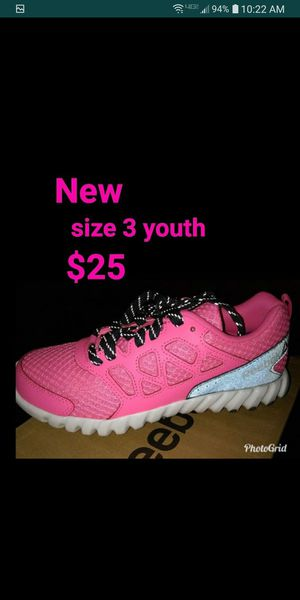 Reebok pink for Sale in Paramount, CA