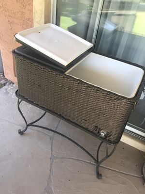 Hielera de Patio for Sale in Mesa, AZ