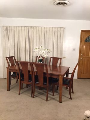 Large Extendable Table 6 Chairs for Sale in Norwalk, CA