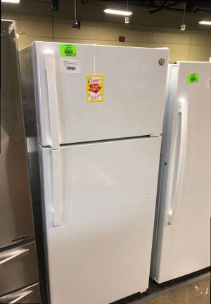 $$Brand New GE 17.5 cu ft Top Freezer Refrigerator (Model:GTS18HGNRWW) 2KLI for Sale in Cypress, CA