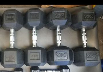 165lbs total Rubber hex dumbbells 2x44lbs 2x 38.5lbs for Sale in Los Angeles,  CA