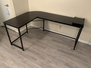 L Shaped Desk for Sale in Tonawanda, NY