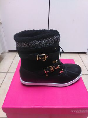 Women's snow boots size 12 for Sale in Jacksonville, FL