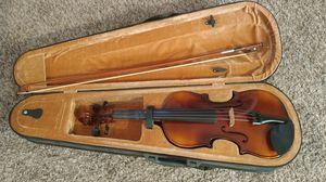 Canary student violin 4/4 for Sale in Lake Elsinore, CA