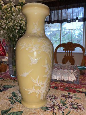 Flower Vase for Sale in Germantown, MD