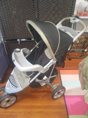 Stroller model safety 1st for Sale in Queens, NY