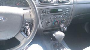 Ford taurus 2004 todo le funciona 170000 millas 6c. Trabaja Extraodinario for Sale in Smyrna, TN