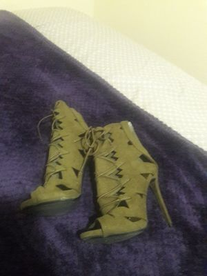 Navy Green High Heels 7.5 for Sale in St. Louis, MO