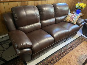 2 leather couches W/ electric reclining for Sale in Shrewsbury, MA
