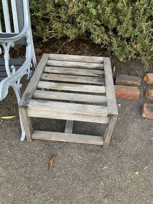 Woden plant holder (very sturdy) can hold 60 pounds for Sale in Mountain View, CA