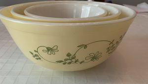 Vintage Pyrex Mixing Bowl Set (3) for Sale in Roswell, GA