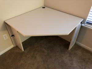 Corner Desk for Sale in Spring, TX