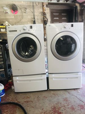 LG WASHER AND DRYER SET for Sale in Cedar Hills, UT