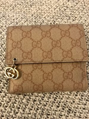 Women's Gucci wallet for Sale in Castro Valley, CA