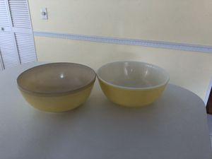 Glass Pyrex Bowls - Large Yellow for Sale in Edgewater, FL