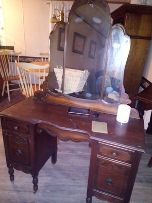 Antique furniture for Sale in Chattanooga, TN