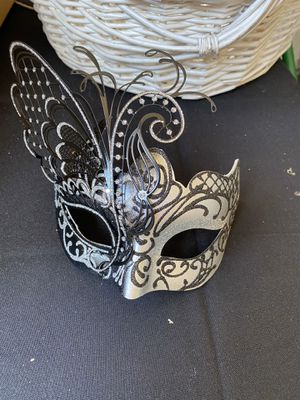 Masquerade cake topper for Sale in South Gate, CA