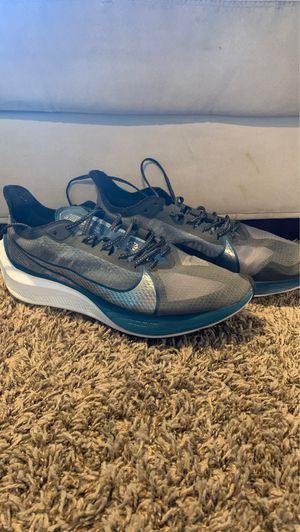 Nike zoom gravity running shoes (10.5) for Sale in Tacoma, WA