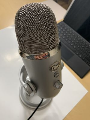BLUE YETI for Sale in Los Angeles, CA
