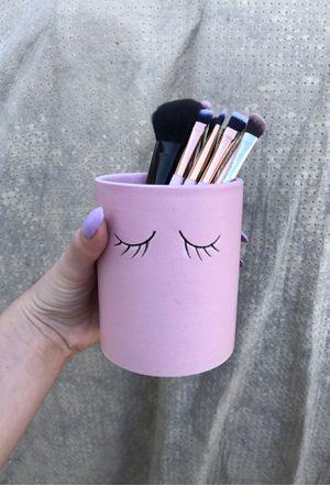 Makeup brush holder for Sale in Garden Grove, CA