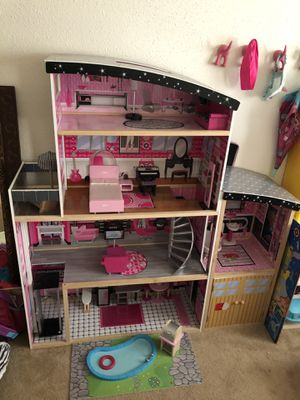 Girls doll house for Sale in Houston, TX