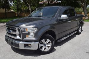 2015 FORD F-150 XLT CREW CAB V8 5.0 for Sale in West Park, FL
