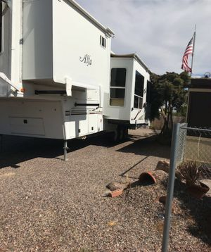 2007 Alfa 5th Wheel Toy Hauler 40 ft triple Axel double slide double door fully self-contained for Sale in Phoenix, AZ