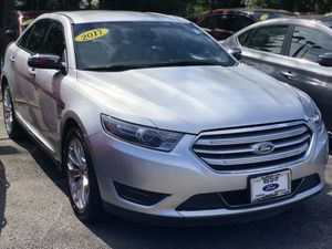 2017 FORD TAURUS LIMITED LOADED for Sale in Fairfax, VA
