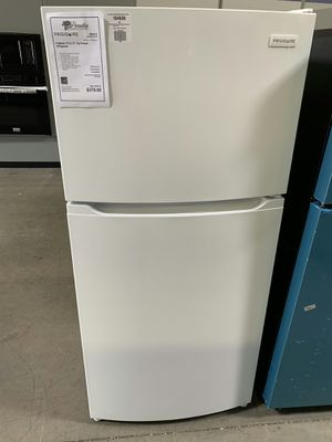 New Discounted Refrigerator 1yr Manufacturers Warranty for Sale in Chandler, AZ
