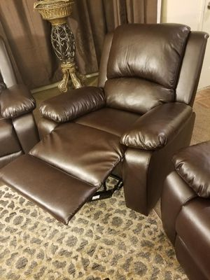 Leather Reclining Chair for Sale in Fresno, CA