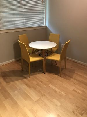 Dining Set for Sale in Temple Hills, MD