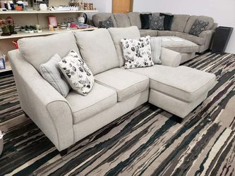Abney Driftwood Beige Sofa Chaise ⚡ ⭐⭐⭐⭐ Delivery Available for Sale in Austin,  TX