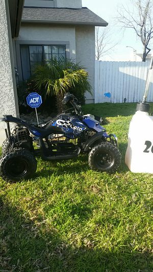 Cb moto Mini quad noseat It runs but needs cable THOTTLE. Still runs but needs tlc fun toy gas can is not for sale. for Sale in Fontana, CA