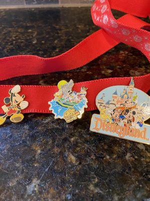 2003 Disney pins and lanyard Disneyland for Sale in Milton, WA