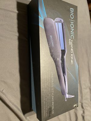 Hair straightener for Sale in La Puente, CA